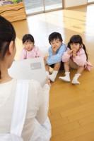 保育園教室 子供3人